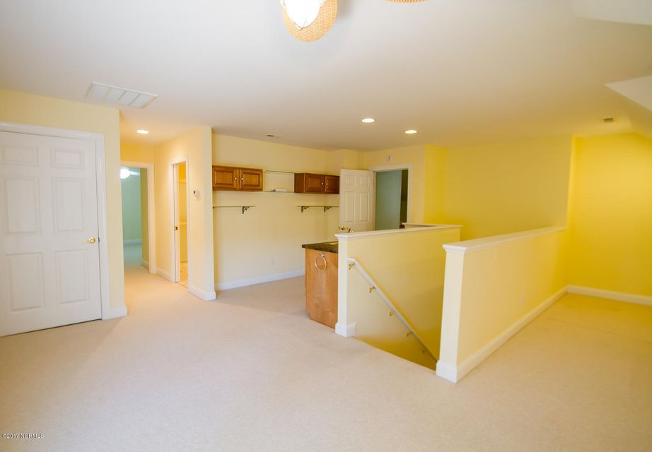 2771 Harbormaster Drive Southport, NC 28461
