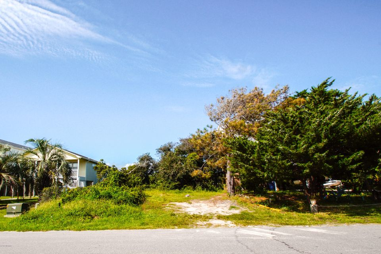 3224 E Pelican Drive Oak Island, NC 28465