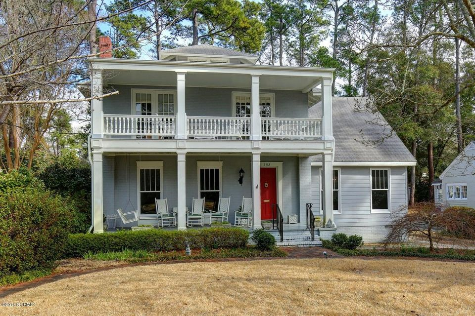 305  Colonial Drive Wilmington, NC 28403