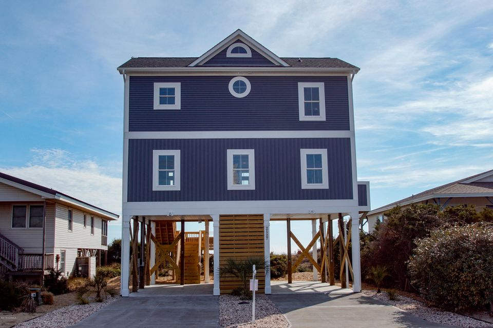 2527 W Beach Drive Oak Island, NC 28465