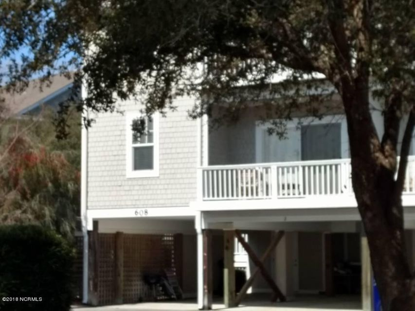 608 W Brown Street #a Southport, NC 28461