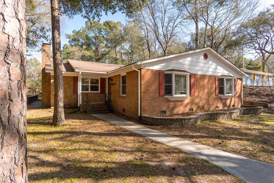 130 Yaupon Road, Pine Knoll Shores, NC, 28512 | MLS #100102225