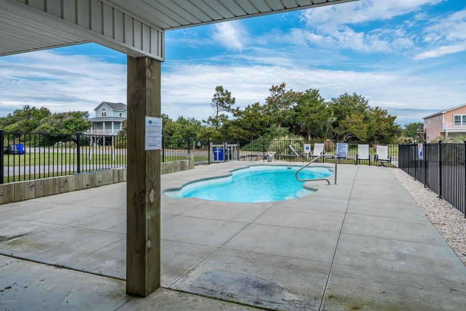 3318 W Beach Drive Oak Island, NC 28465