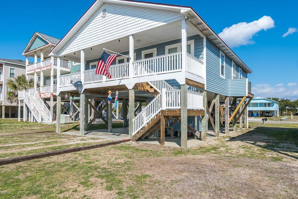 3314 W Beach Drive Oak Island, NC 28465