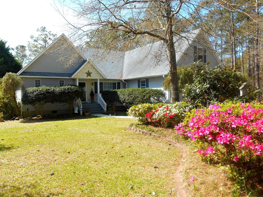 6467 Walden Pond Lane Southport, NC 28461
