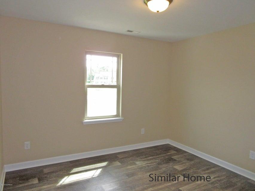 104 Sparrows Point Lane, Jacksonville, NC, 28540 | MLS #100111370