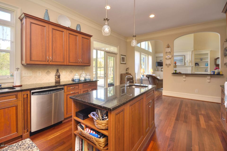 2717  Scarborough Way Southport, NC 28461
