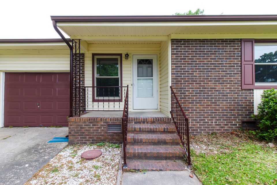 323 Sterling Road, Jacksonville, NC, 28546 | MLS #100116409