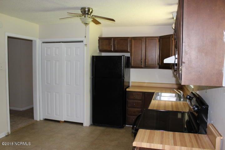 226 Sand Ridge Road, Hubert, NC, 28539   MLS #100118105