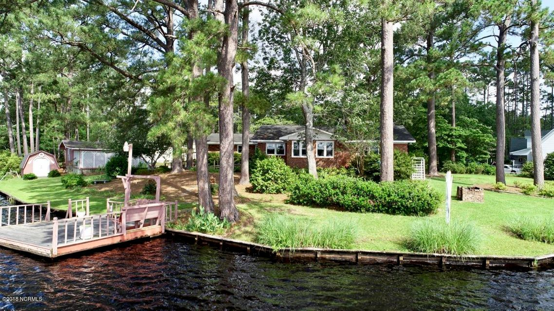 184 Canal Drive Southport, NC 28461