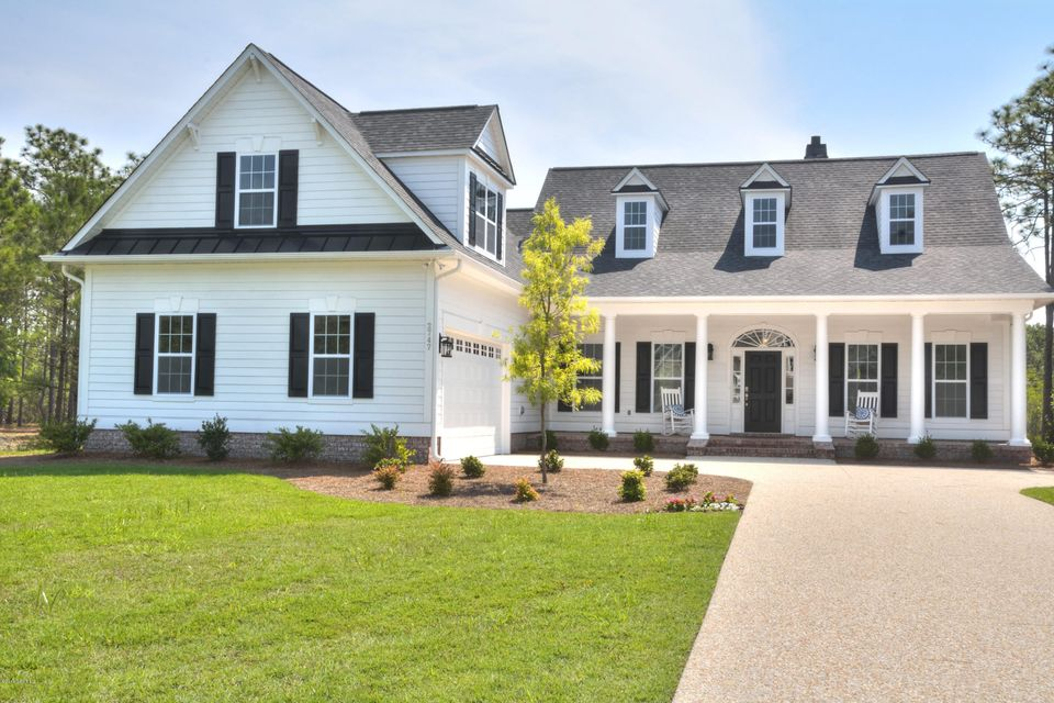 2747 Oak Forest Drive Southport, NC 28461