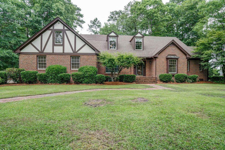 Property for sale at 704 Williamsburg Drive, Tarboro,  NC 27886