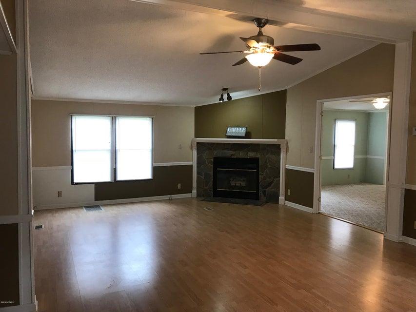 109 Longleaf Drive, Swansboro, NC, 28584 | MLS #100127277
