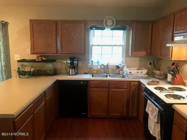 830 Wood Creek Drive, Hubert, NC, 28539   MLS #100131160