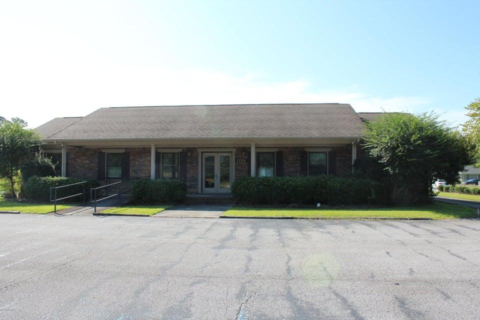 1700 Country Club Road, Jacksonville, NC, 28546   MLS #100131840