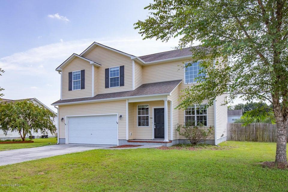 106 Briar Hollow Drive, Jacksonville, NC, 28540 | MLS #100120356