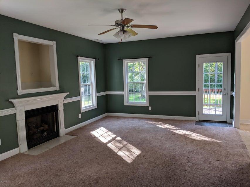 122 Forest Lane, Swansboro, NC, 28584   MLS #100118114