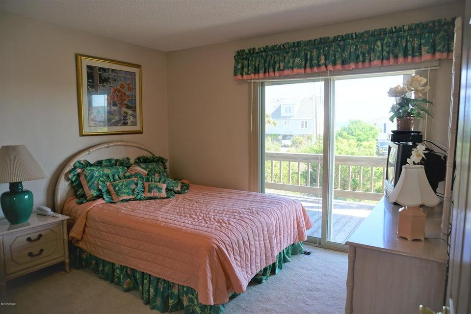 1906 Ocean Drive, Emerald Isle, NC, 28594 | MLS #100133098