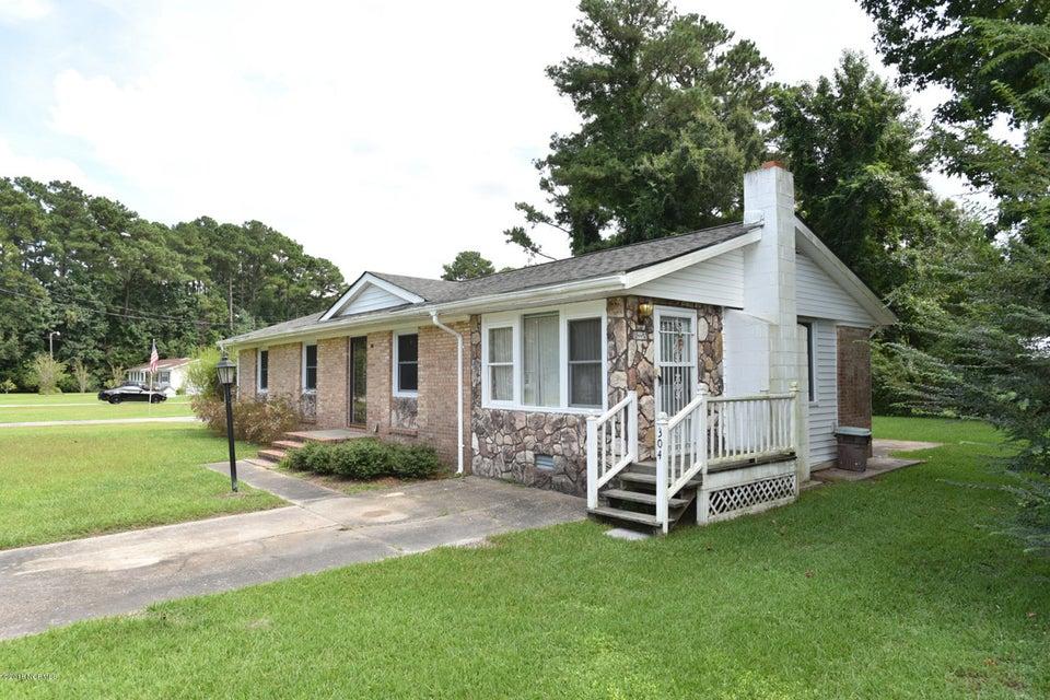 304 Lakewood Drive, Jacksonville, NC, 28546 | MLS #100133669