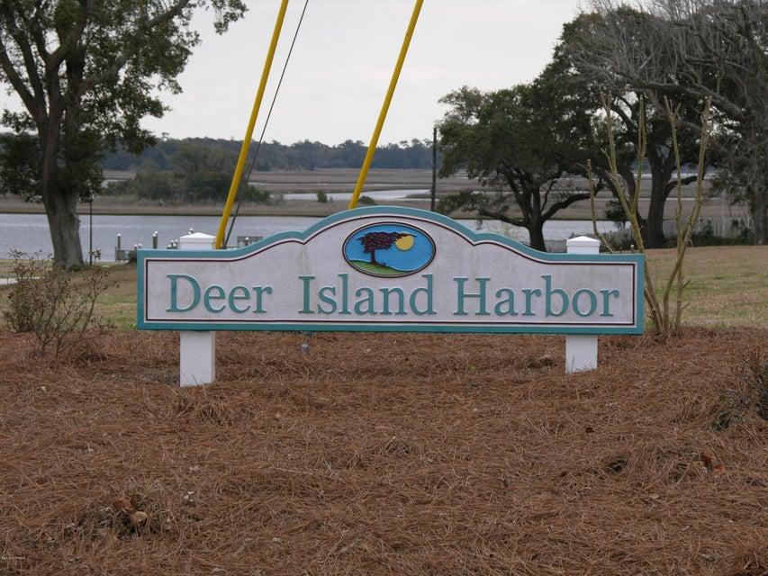 220 Deer Island Road, Swansboro, NC, 28584   MLS #100133374