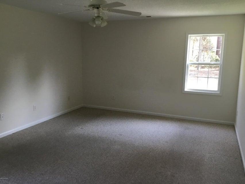 217 Oak Grove Circle, Hubert, NC, 28539 | MLS #100135765