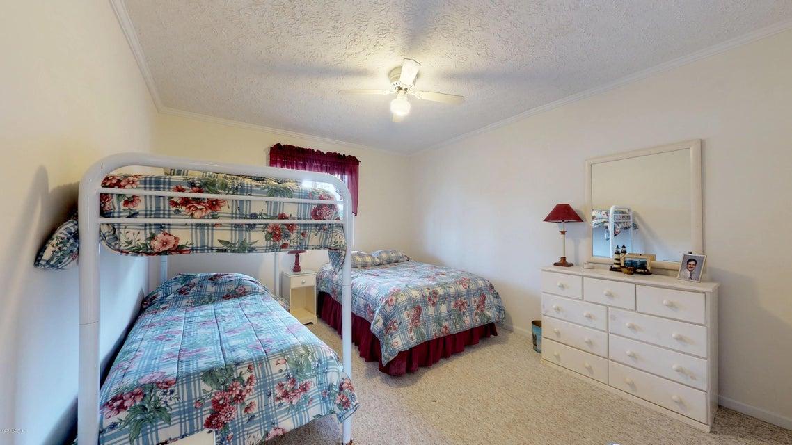 119 Lake Avenue #205, Morehead City, NC, 28557 | MLS #100136934