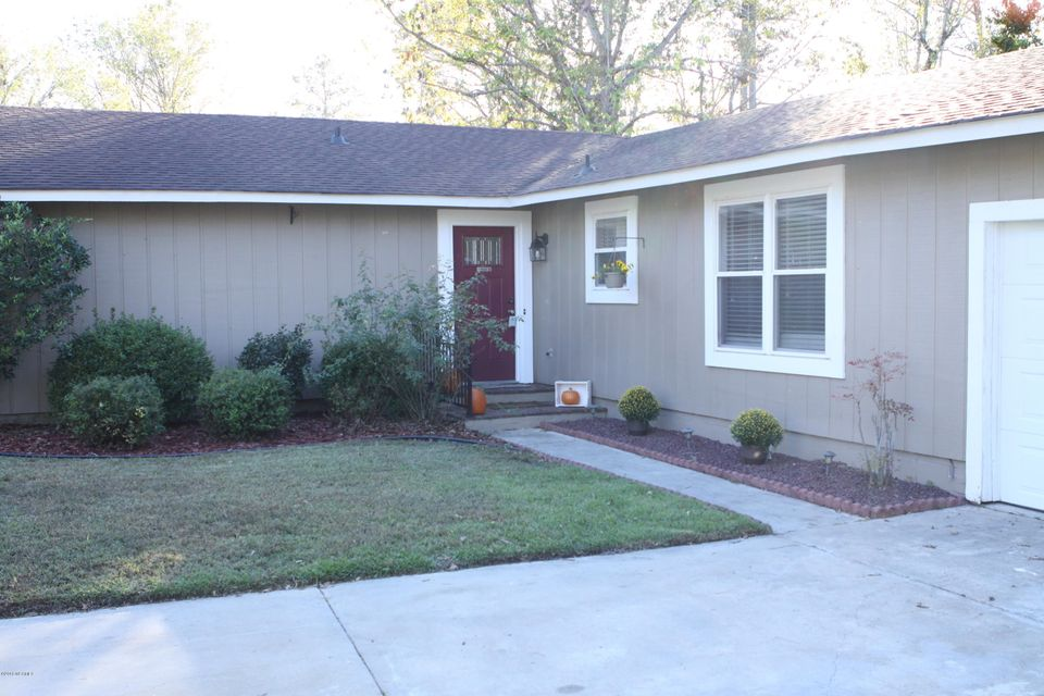 121 Shadow Brook Drive, Jacksonville, NC, 28546   MLS #100138364