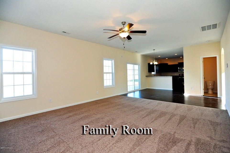 715 Kiwi Stone Circle, Jacksonville, NC, 28546 | MLS #100142094