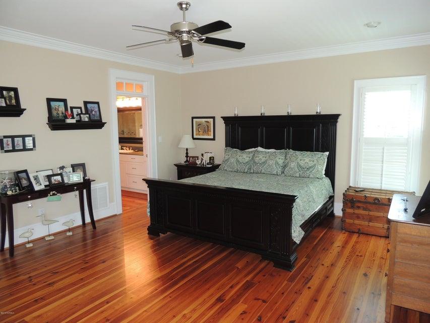 303 Elm Street, Swansboro, NC, 28584 | MLS #100143914