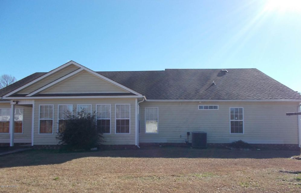 215 Dartmoor Trail, Jacksonville, NC, 28540 | MLS #100145291