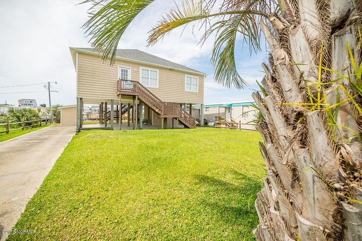 Ready to enjoy Island living? This furnished, canalfront home is ready for you!