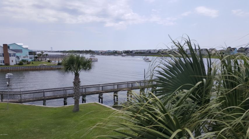 2076 W Sea Aire Canal SW, Supply, NC 28462