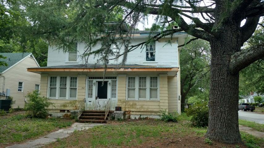 202 Central Boulevard, Wilmington, NC 28401