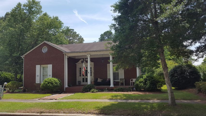 111 S Outerbridge Street, Robersonville, NC 27871