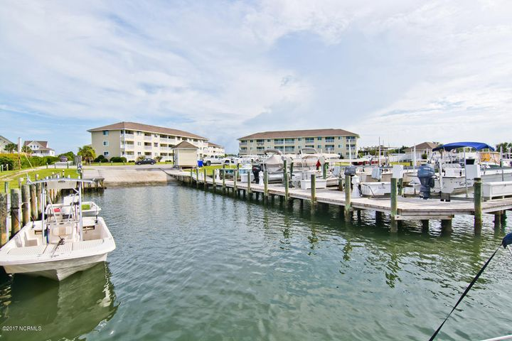 There's just something about a MARINA VIEW!