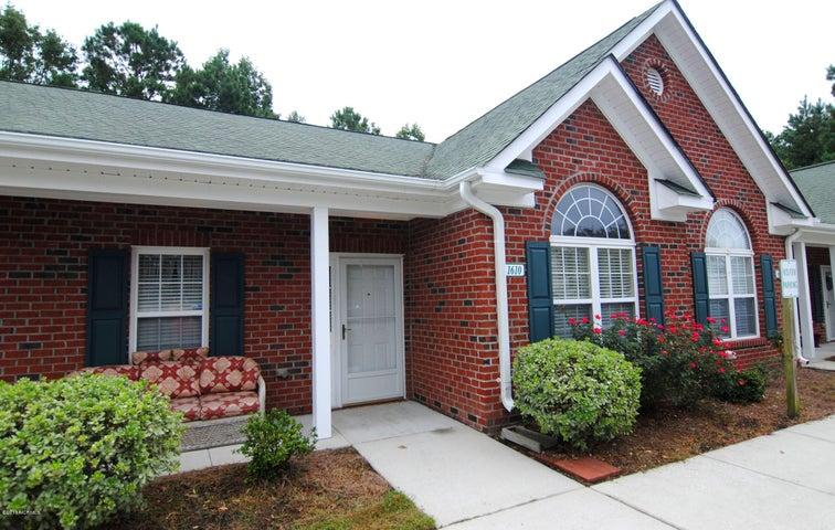 1610 Honeybee Lane, Wilmington, NC 28412