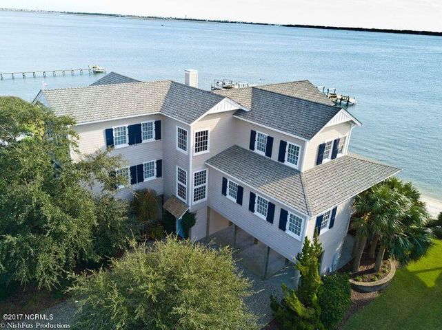 4311 Coral Point Drive, Morehead City, NC 28557