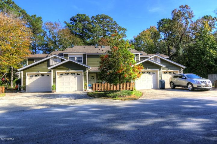 202 Cedarwood Village, Morehead City, NC 28557