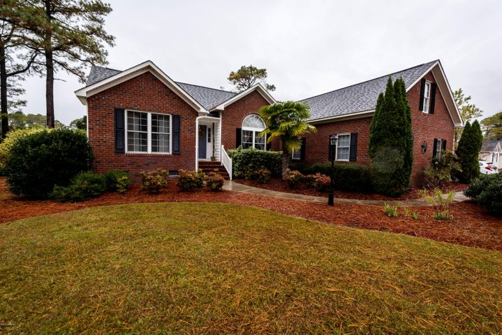 2009 Royal Pines Drive, New Bern, NC 28560