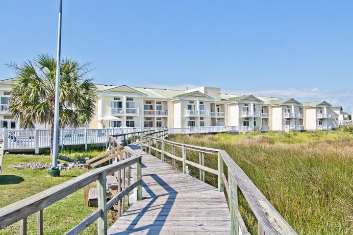 602 W Fort Macon Road, 206, Atlantic Beach, NC 28512