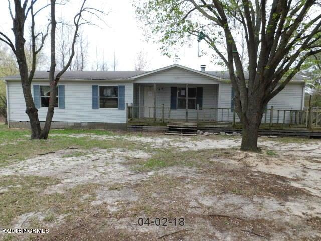 833 Sampson Acres Drive, Clinton, NC 28328