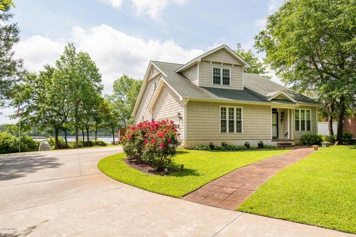166 White Oak Bluff Road, Stella, NC 28582