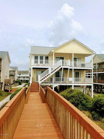 824 N Topsail Drive, Surf City, NC 28445