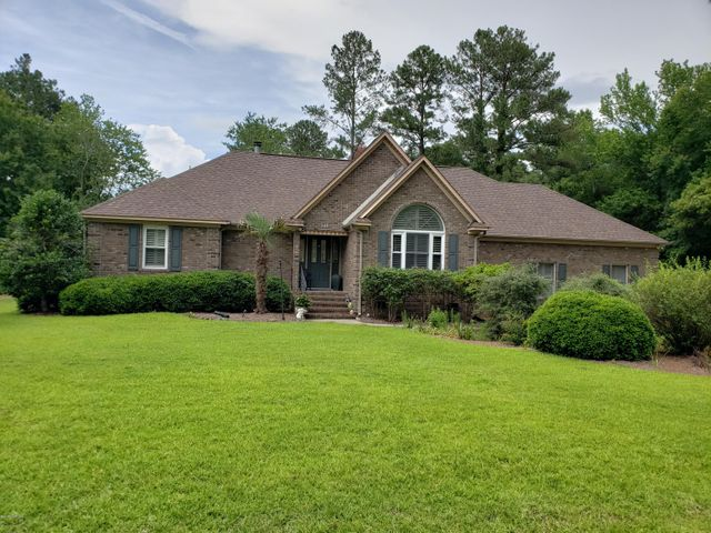 125 Oakmont Circle, New Bern, NC 28562