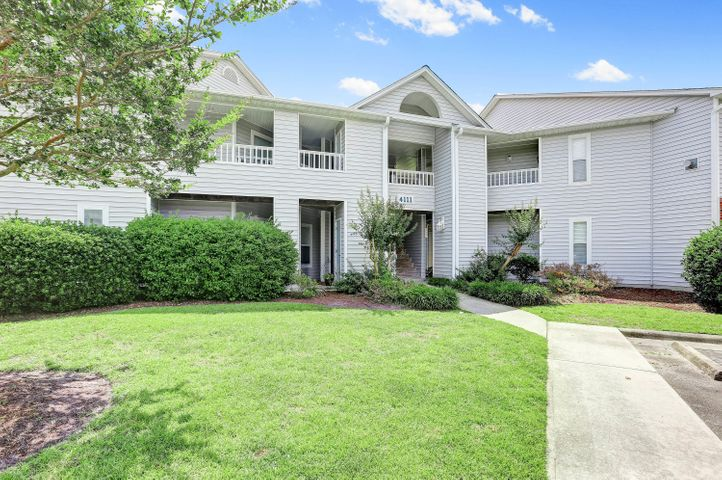4111 Breezewood Drive, 202, Wilmington, NC 28412