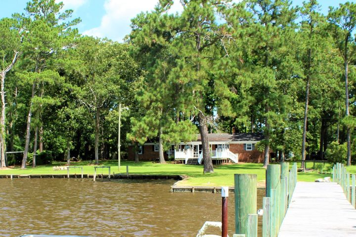 108 Old Topping Drive, Belhaven, NC 27810