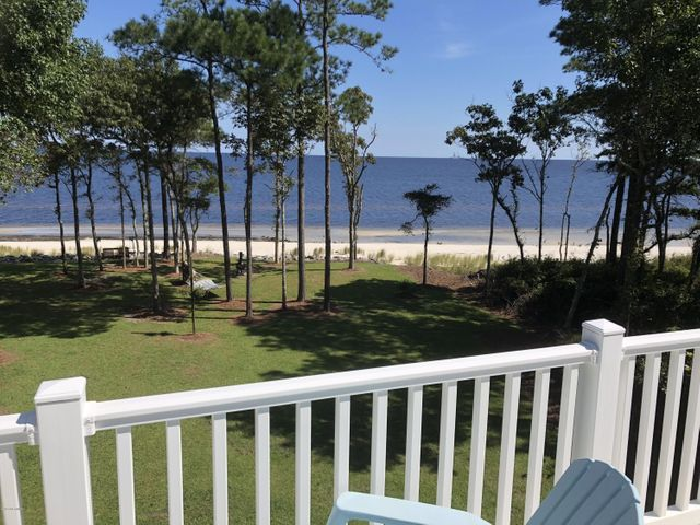 542 Sandy Point Drive, Beaufort, NC 28516