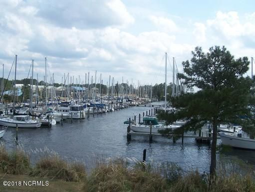 2212 Harbourside Drive, New Bern, NC 28560