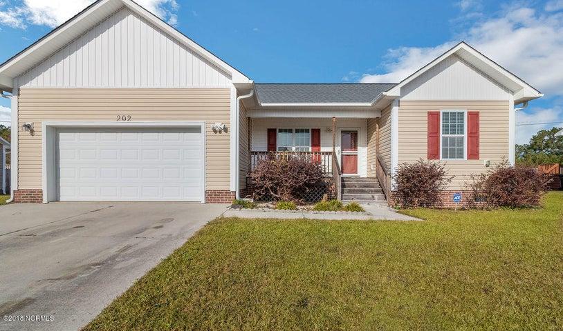 202 Oak Ridge Lane, Holly Ridge, NC 28445