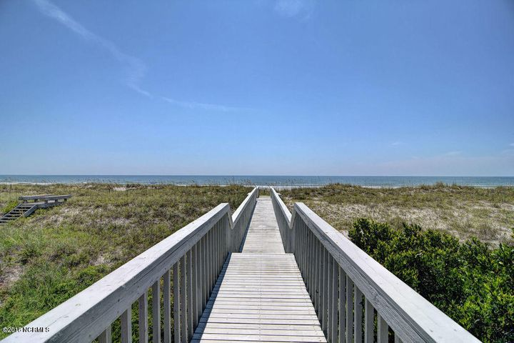 272 Beach Road N, Wilmington, NC 28411